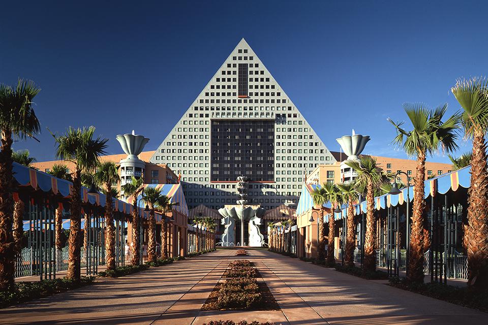 Walt Disney World Dolphin Hotel Restaurants